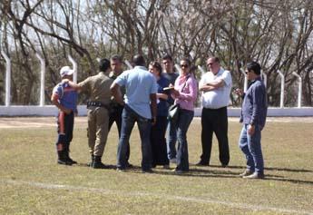 Equipe do Luciano Ruck dão orientações para a Transpl, Polícia Militar, Secretaria de Cultura e para a Assessoria de Comunicação sobre o evento