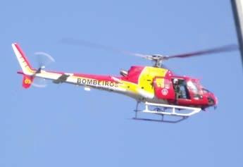 Aeronave dos Bombeiros durante resgate em PL