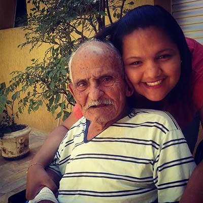 Senhor Antônio e a neta Joyce