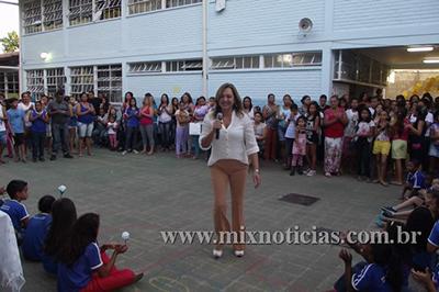 Prefeita Eloisa durante entrega das obras no José Pedro Filho